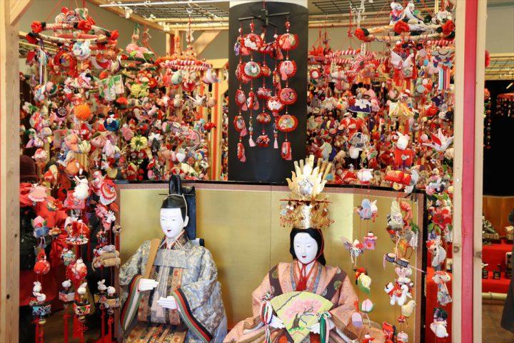 Doll Town Iwatsuki – Street corner hina doll tour