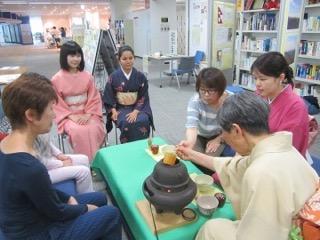 日本語おしゃべりサロンの様子