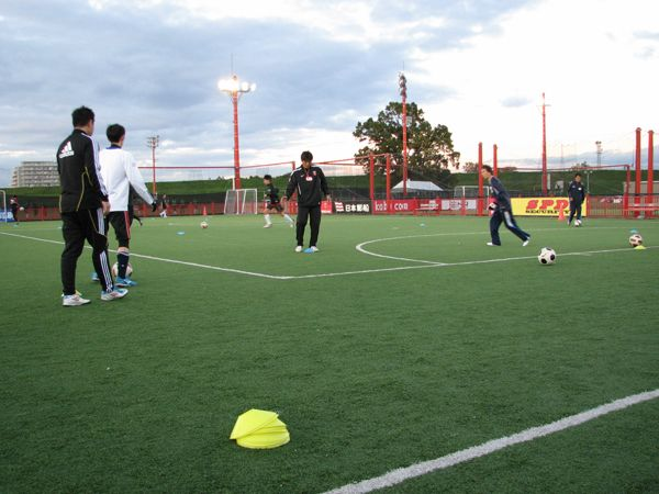 大人のためのサッカークリニック写真