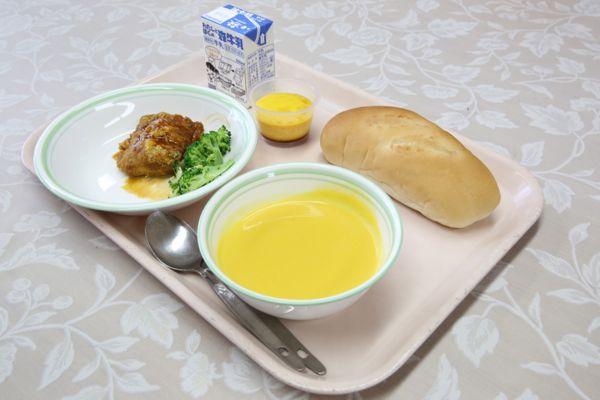 さいたまクリテリウム by ツールドフランス開催に合わせ「フランスの食文化を感じる学校給食」が行われました。