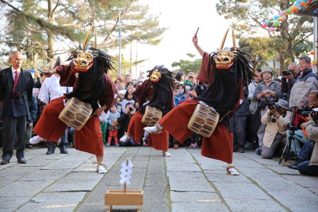 獅子の頭をかぶせてもらうと病気にかからなくなる!?「田島の獅子舞」が3月15日(日)に公開されます。
