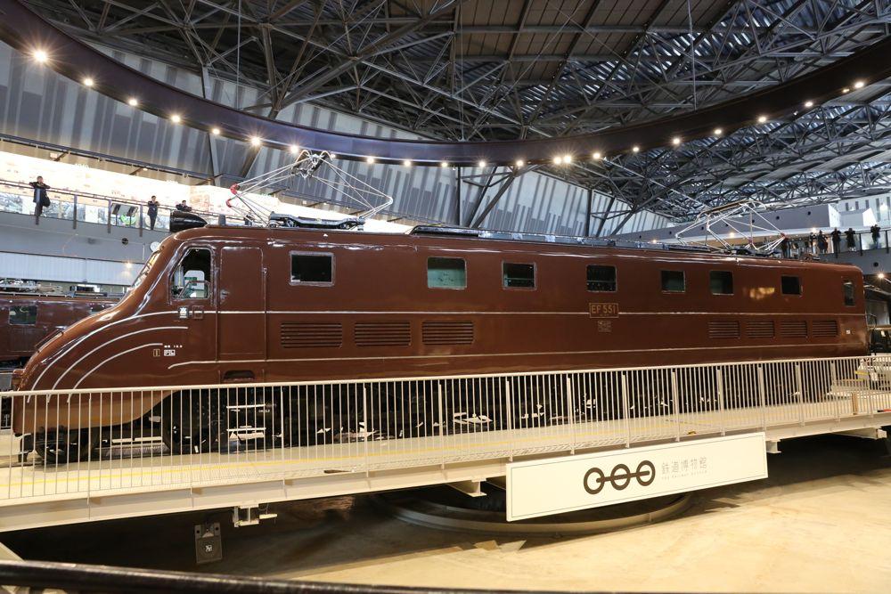 鉄道博物館で、開館時間に展示車両の入れ換え作業が行われるというので見に行ってきました。