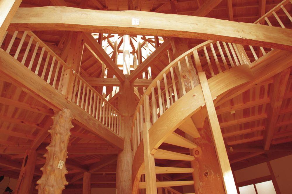 自然素材・天然乾燥材を使って建築された「木力館」で演奏会が開催されます。